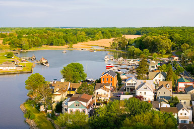Overview of Chesapeake City